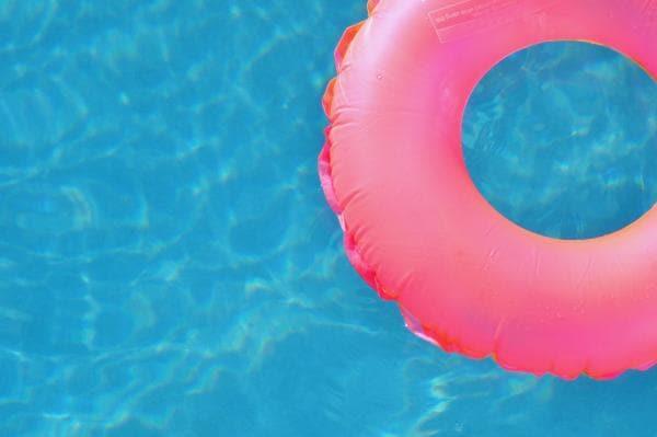 Schwimmpreif im Pool