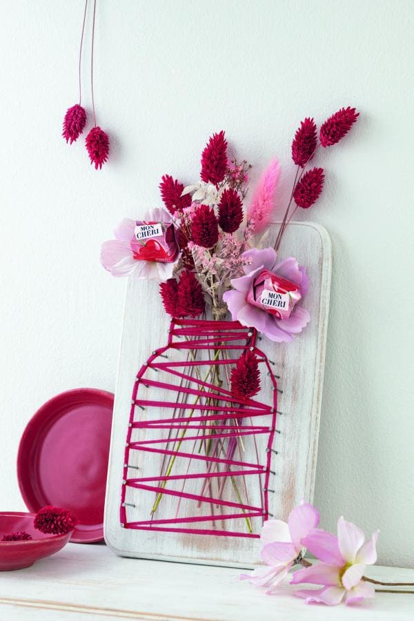 Blumenvase als Fadenbild