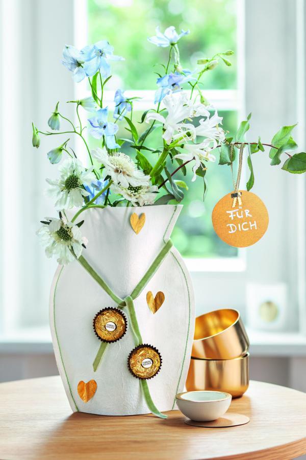 Papierhusse für Vase